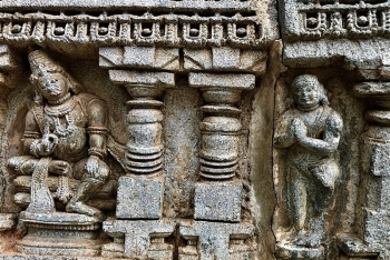 Kubera_Namaste13th_century_Keshava_temple_Somanathpur