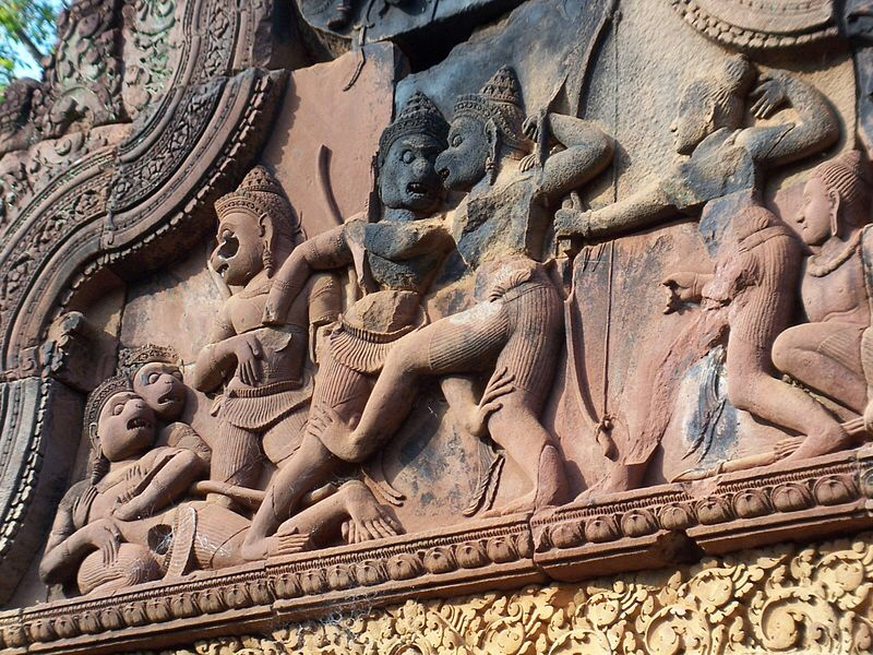 Vali battle with Sugriva, sculpture at Banteay Srei in Cambodia